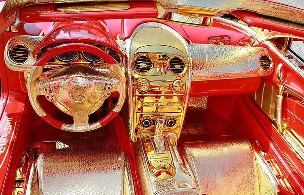 Altın kaplama Mercedesin müthiş özelliği