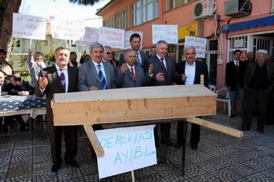 AKPye Çarşılı protesto !