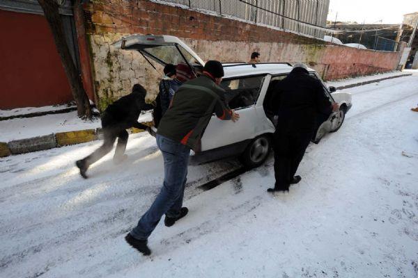 İstanbulda kar kalınlığı 50 cmye ulaştı