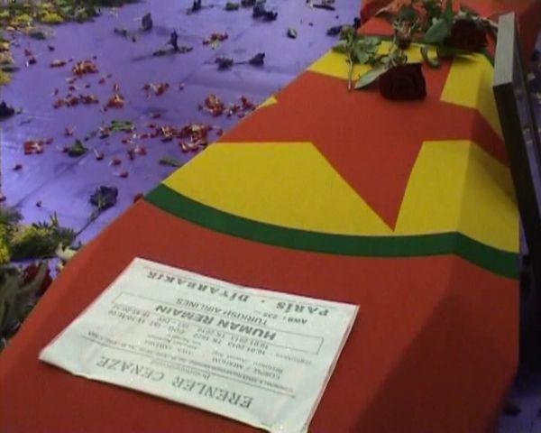 Öldürülen PKKlıları kadınlar uğurladı