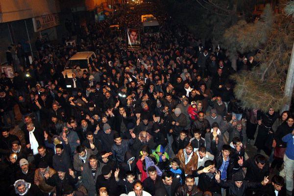 3 PKKlı kadının cenazesi Diyarbakırda