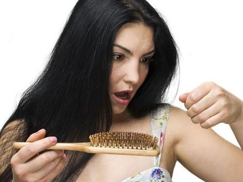Saçlar sadece kökünden beslenir!