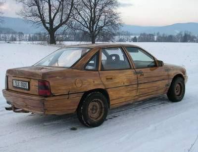 Meşe ağacından Opel marka otomobil yaptı