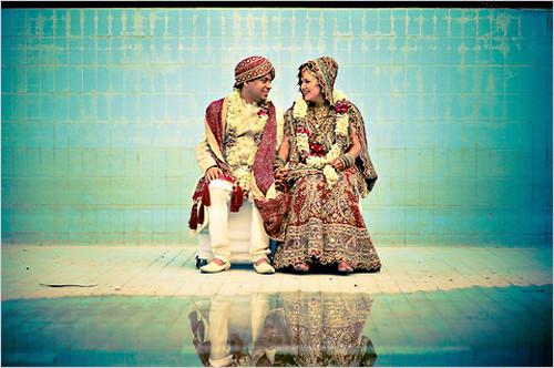 Festival kılıklı Hint düğünleri