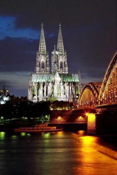 İşte dünya şehirlerinin gece görünüşleri !