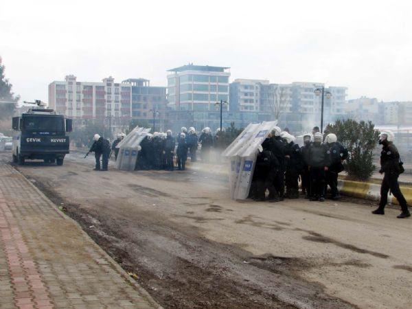 BDPli vekil Polise silah çekti !