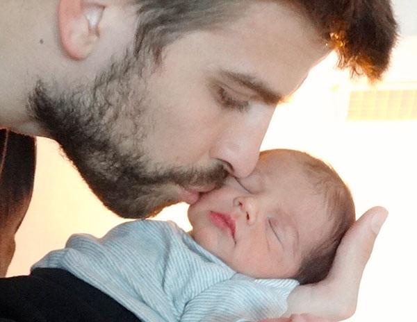 Shakiranın bebeği Milan !
