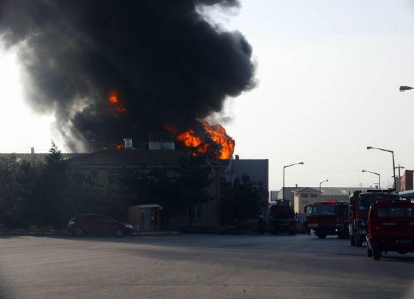 Kimya fabrikasında yangın !