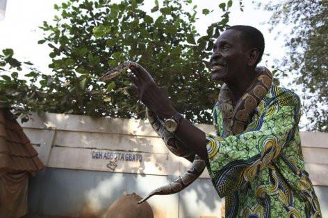 Afrika'nın Voodoo büyücüleri ve korkunç yöntemleri!