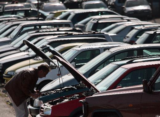 ikinci el otomobil satışları fren yaptı