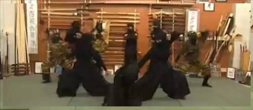 Ahmedinejadın kadın ninjaları