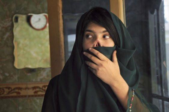 Afgan Ayşe yeni görüntüsüne kavuştu