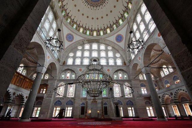 Mihrimah Sultan Camiinde gizlenen büyük sır!