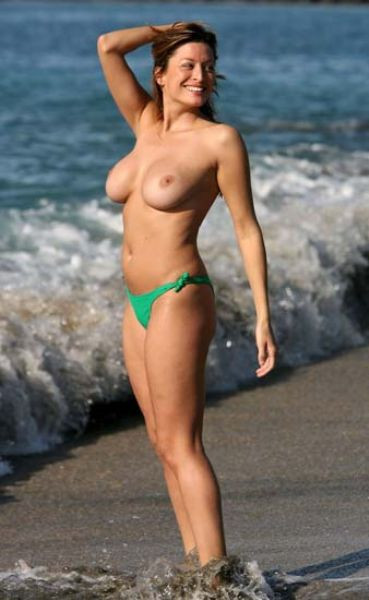 Beckhamın eski sevgilisi  Rebecca Loosdan üstsüz pozlar