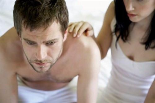 Erkekler neden asla tek kadınla olamaz?
