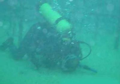Su altında namaz şov