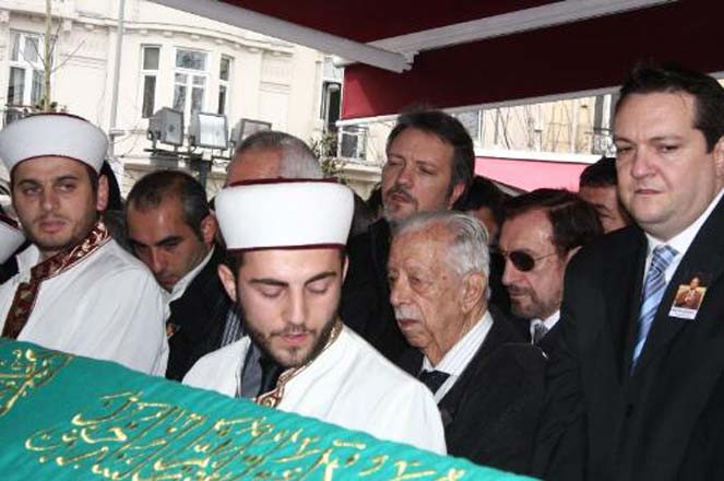 Serezlinin cenazesine ünlü akını !