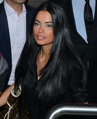 İşte yerli Adriana Lima!