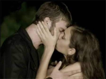 Dizilerdeki öpüşme sahneleri