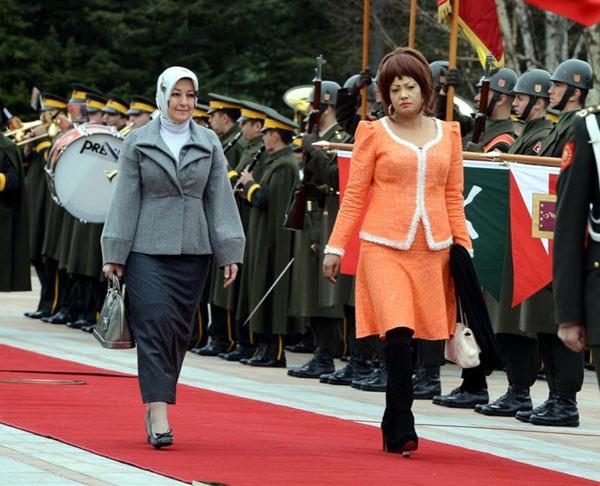 Hem gösterişli, hem rüküş First Lady