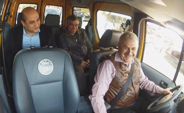 Binali Yıldırım taksi şoförü oldu