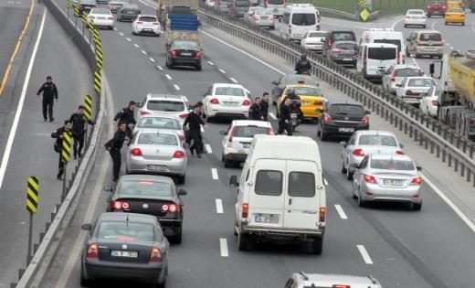 Zeytinburnunda hırsız polis kovalamacası