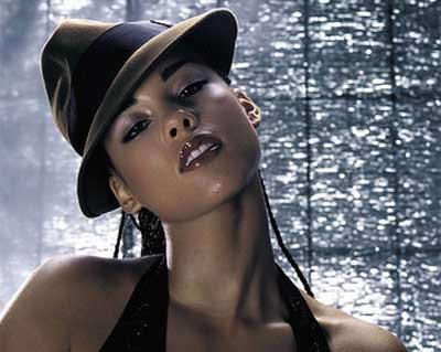 Alicia Keys soluk kesiyor