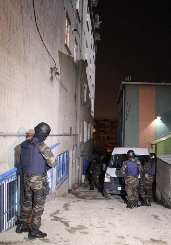 İstanbulda şafak operasyonu