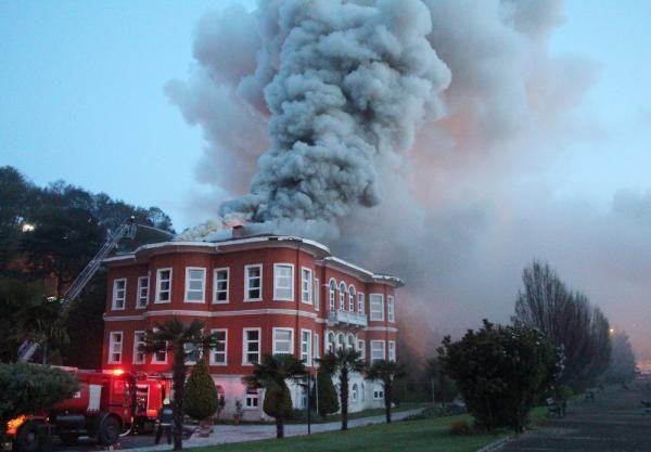 Müşir Fuat Paşa Yalısında yangın
