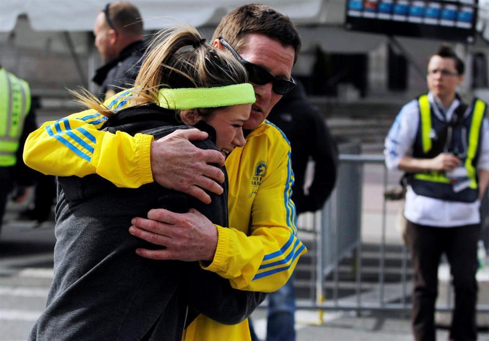Boston Maratonu kana bulandı