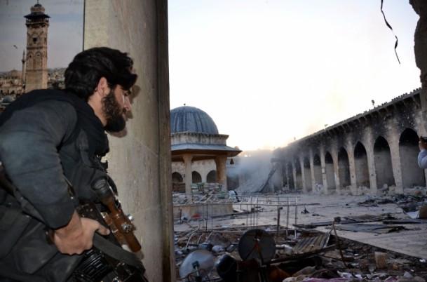 Tarihi Emevi Camisi bombalandı