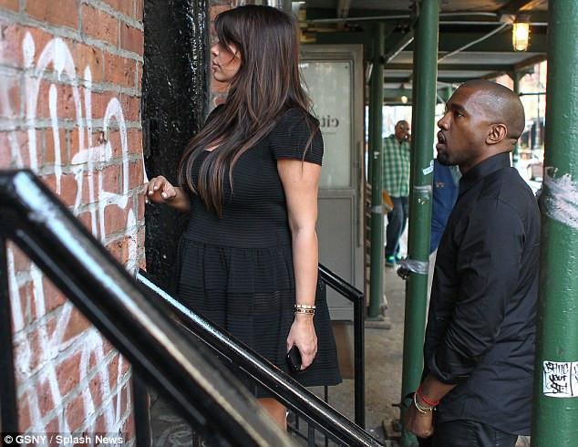 Kardashian tarzından vazgeçmiyor