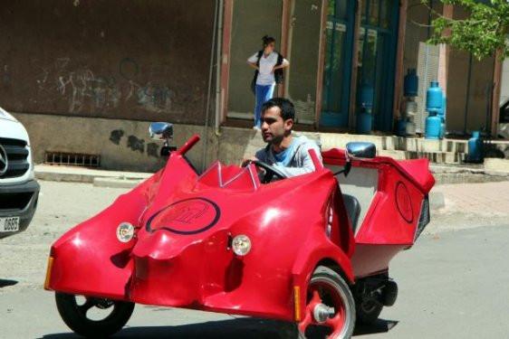 Diyarbakırlu Mustafa hayalindeki arabayı yaptı