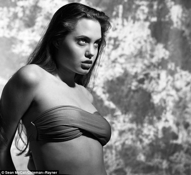 Angelina 16 yaşında