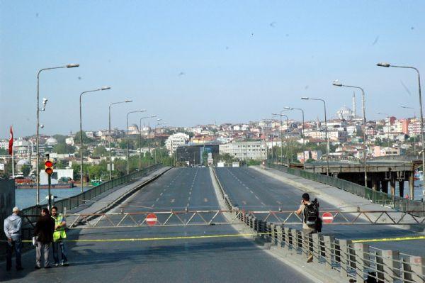 Unkapanı ve Galata Köprüleri kaldırıldı