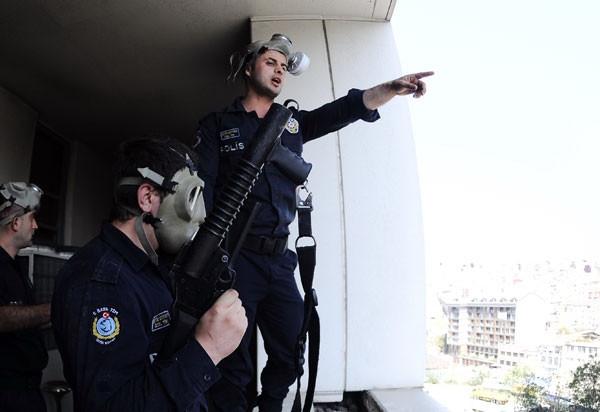 Harbiye karıştı: 1 polis yaralı