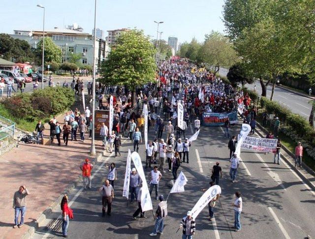 İstanbul sokaklarında 1 Mayıs böyle geçti