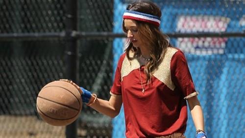 Miranda Kerrin basketbol ile imtihanı