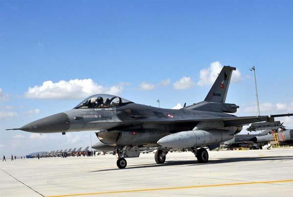 Türkiyedeki F-16 kazaları