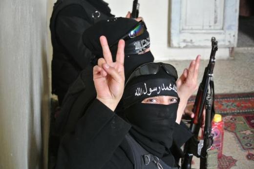 Özgür Suriye Ordusunun kadın savaşçıları