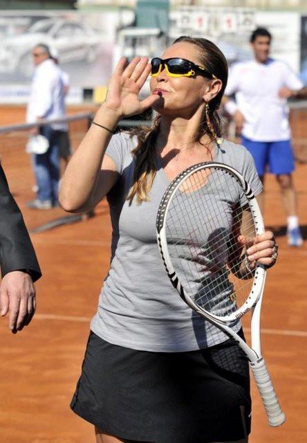 Şişman tenisçi Hülya!