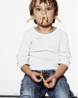 Utangaç çocuklara nasıl yaklaşmalı