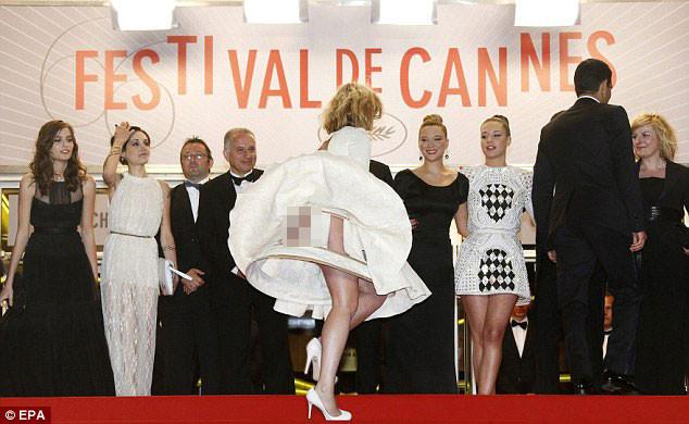 Cannesda iç çamaşırı krizi