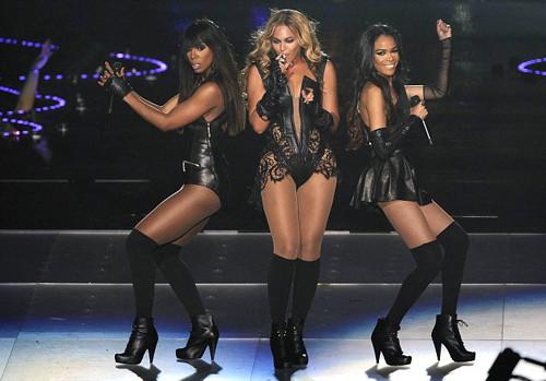 Beyonce sahnede tacize uğradı