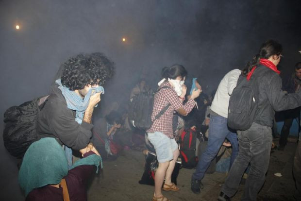 ´Gezi´ nöbetine polis baskını
