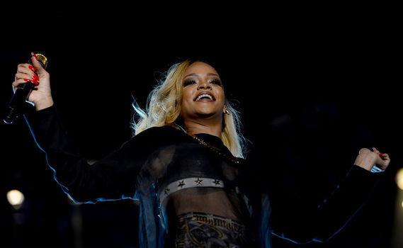 Rihanna Twitterı coşturdu!