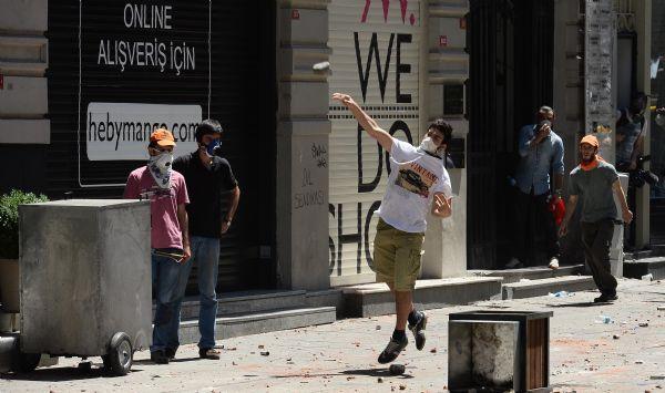 Taksim Gezi Parkında polis müdahalesi!