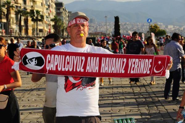 İzmir Gündoğdu Meydanı alev alev