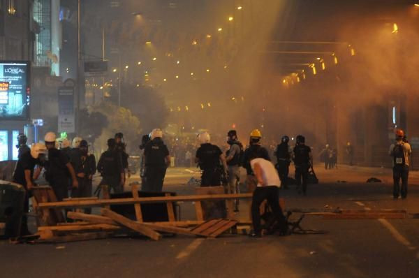 Protestocular TEMi kapattı !