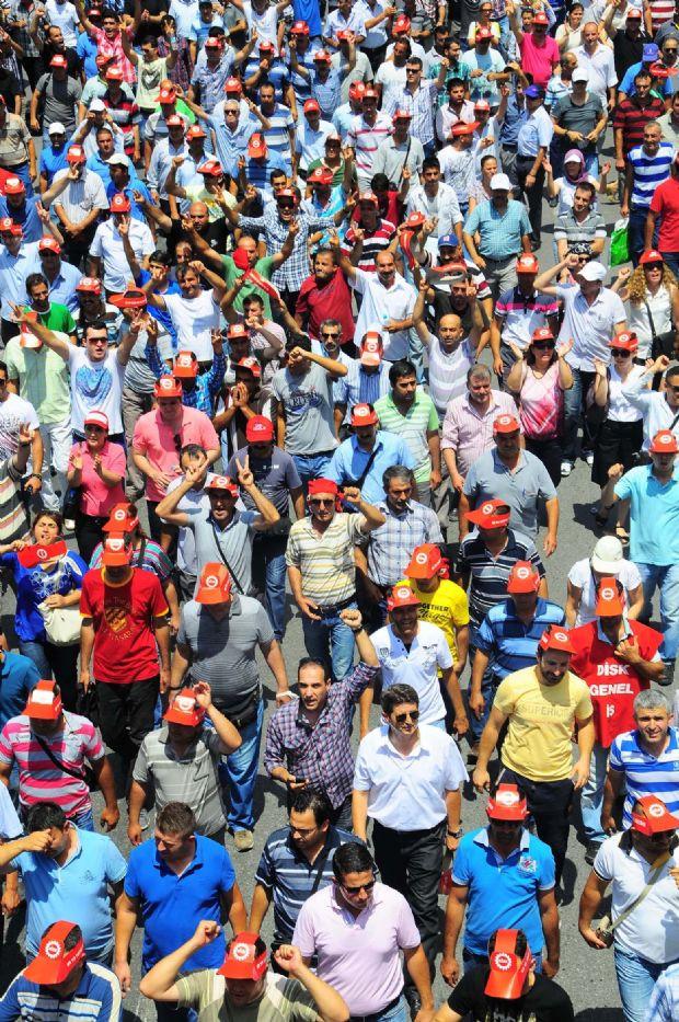 900 bin emekçi iş bıraktı!